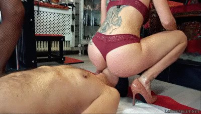 Lady Scarlet - Drink from penis and pussy