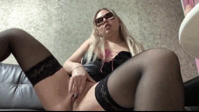 Sexy Masturbation and Shitting