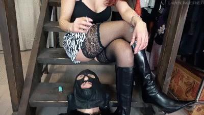 Lady Scarlet - Smoking mocking