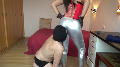 Mistress Roberta - Ass Worship And Slapping With Gloves