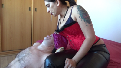 Mistress Roberta - Spitting with slapping