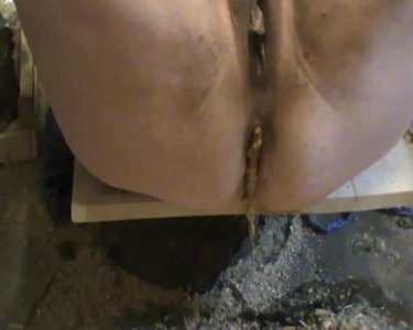 delicious scat in brown nylons