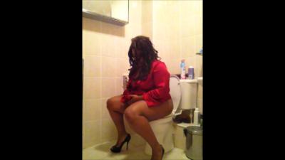 Evening Toilet in Heels