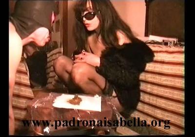 054.3.2 Venere: eat and pee