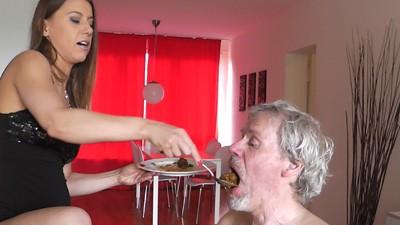 Shit feeding ny Princess Nikki