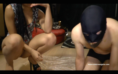 MISTRESS GAIA - FEEDS HER SLAVE - mobile version