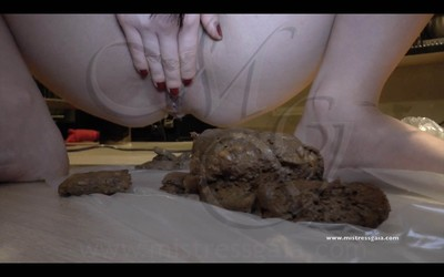 Mistress Gaia - Very Special Dinner Scat - Mobile Version