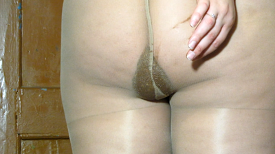 Fat Girl With A Big Ass Shit In Pantyhose And Smearing Shit On The Tights.