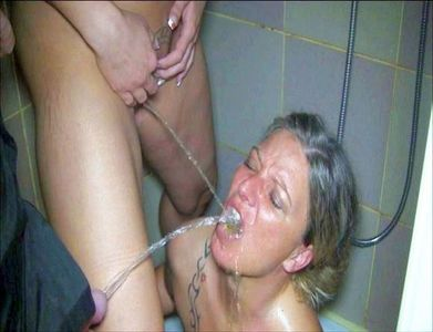 A pussy and a cock piss me in the mouth at the same time!
