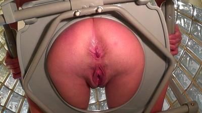 she toilet peeing crap