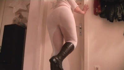 Pissing in my white leggins