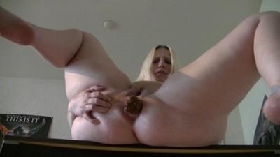 Sexy Candy shit big-POV