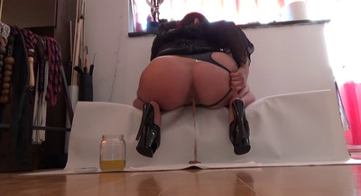 Mistress Roberta- Late Apetiser For Today - Pov