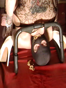 Mistress tests new slave's boundaries