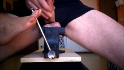 The Hammer And The Bench Vise (mp4)