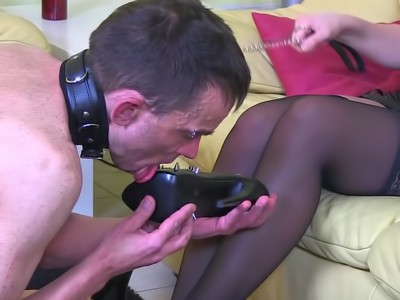 How A Slave Should Treat His Goddess - Wmv