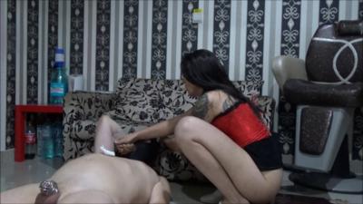 Mistress Roberta - Pantyhose Worship And Feeding Pot In Saloon